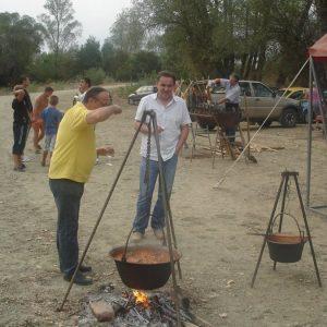 Prprema ribljeg fiša na rijeci Savi